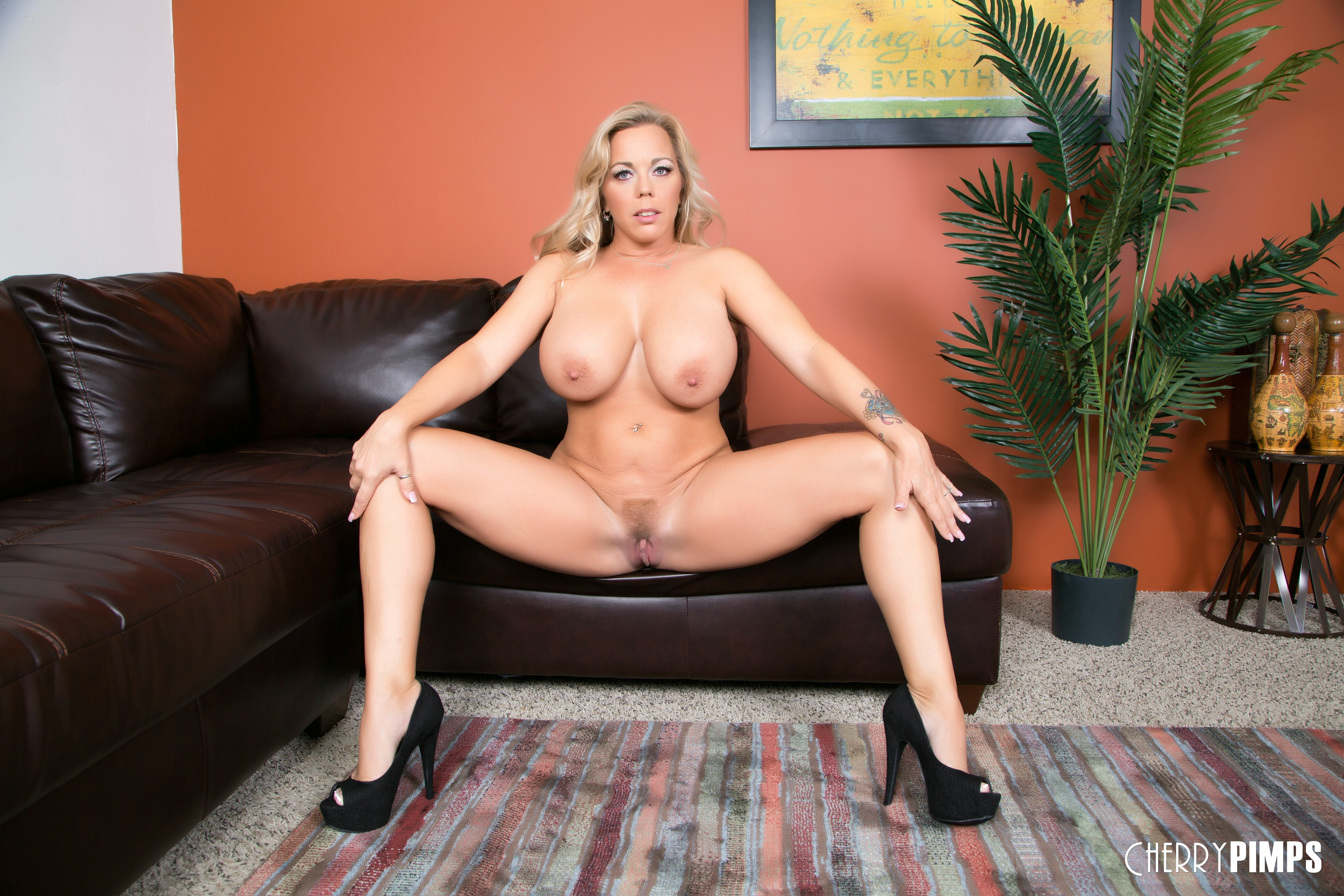Busty Cougar Charlee Chase Milks A Cock With Amber Lynn Bach