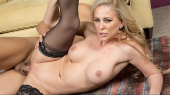 Cherie Deville in 'Amazing Blonde MILF'