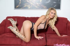 Natalia Starr - Shaved and Feeling Smooth (Thumb 02)