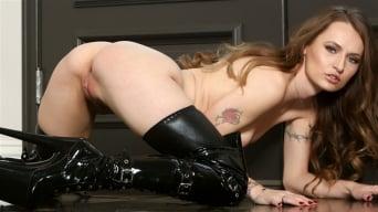 Natasha Starr in 'Alluring Babe In Black'