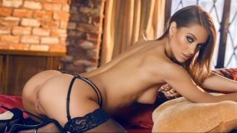 Uma Jolie in 'Working Those Curves'